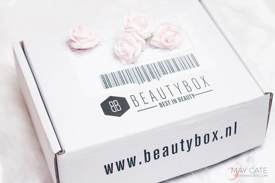 Unboxing de beautybox van maart